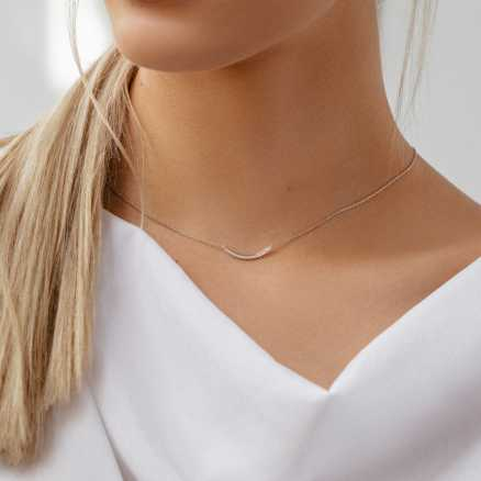 Diamond necklace Sparkling Line, 14K gold na těle