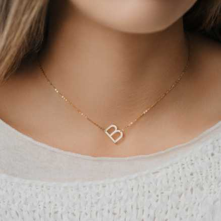 Diamond necklace Letter E, 14K gold na těle