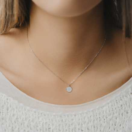 Diamond necklace Infinity, 14K gold na těle