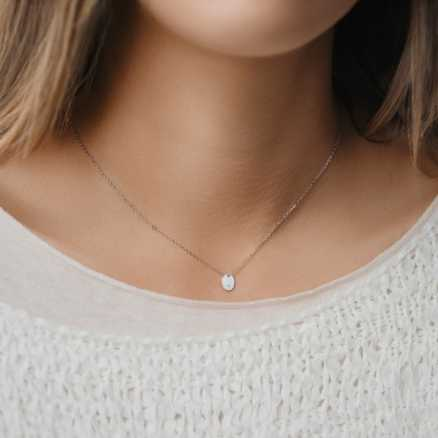 Diamond necklace Splendor, 14K gold na těle