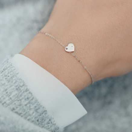 Diamond bracelet Sweet Heart, 14K gold na těle