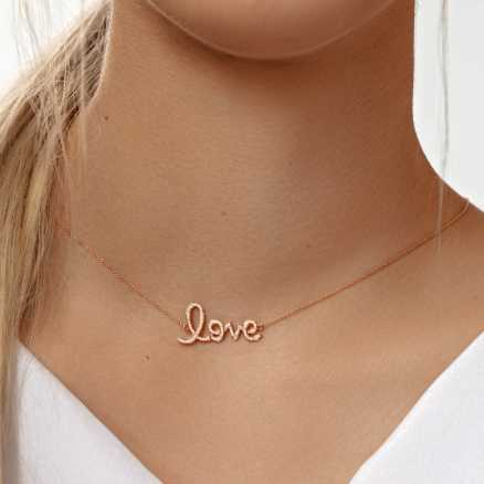 Diamond necklace Love, 14K gold na těle
