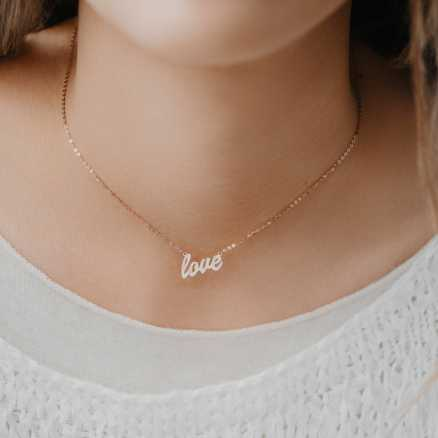 Brilliant necklace Love, 14kt zlato na těle